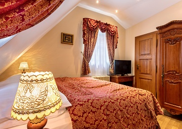 Hotel u Prince has a sigle room for one guest at the Old Town Square in Prague.